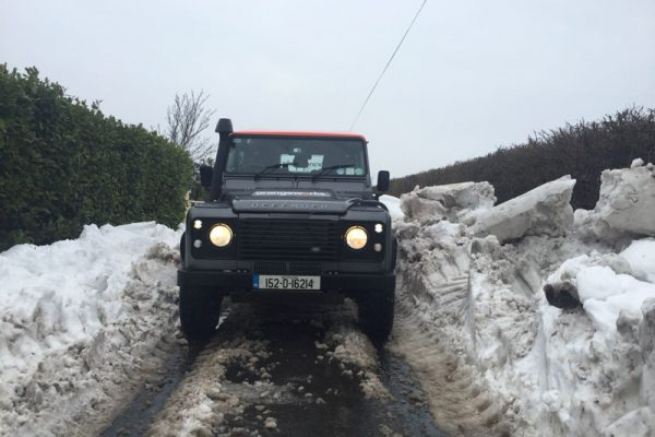 4x4 Driver Training- Land Rover Defender driving in the snow