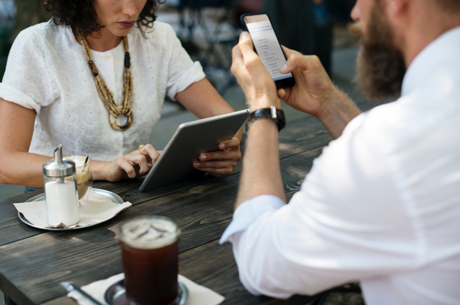 Is The Hyper-Connected Workplace Reducing Your Team Productivity?